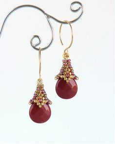 This is a listing for a full-color PDF which will show you step by step how to make the Rania Dangle Earrings. Seed Bead Jewelry, Seed Bead Earrings, Beaded Earrings, Beaded Jewelry, Handmade Jewelry, Hoop Earrings, Jewelry Findings, Jewellery Uk, Amber Jewelry