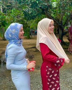 Muslim Women Fashion, Womens Fashion, Girl Hijab, Hey Girl, Hot Dress, Tight Dresses, Asian Beauty, Tights, Instagram