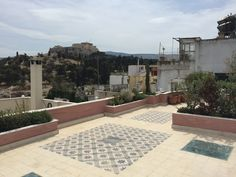 Nikolas Dorizas Architect, Tel: +30.210.4514048 Address: 36 Akti Themistokleous – Marina Zeas, Piraeus 18537 Αναστήλωση παλαιάς πολυκατοικίας στην Ακρόπολη και μετατροπή σε αφαιρετική μονοκατοικία για ένα ζευγάρι από το Αρχιτεκτονικό Γραφείο του Νικόλα Ντόριζα. Arch, Patio, Outdoor Decor, Home Decor, Longbow, Decoration Home, Room Decor, Wedding Arches, Home Interior Design