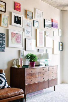 Gallery Wall · Creative Home Decor Inspiration · Wall Art Inspiration Wand, Decoration Inspiration, Interior Inspiration, Decor Ideas, Design Inspiration, Home And Living, Living Room, Living Area, Deco Design
