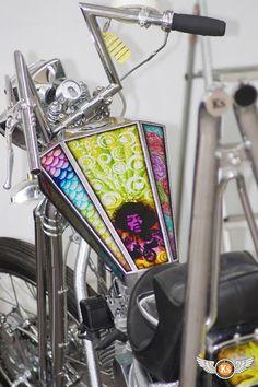 Kustom Store Motorcycles: Chopper Panhead: une nouvelle peinture signée Daddygraph!