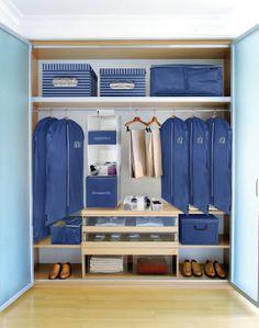 Domopak Living che comprende oltre 100 tipi di prodotto: dai coordinati guardaroba, ai portatutto a scomparti, agli appendiabiti, alle grucce antiscivolo.