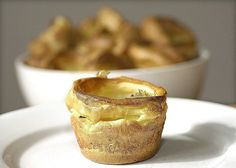 This Yorkshire Pudding recipe, is quick, simple and guarantees success. Yorkshire Puddings are one of the major components of England's national dish. A tray of Yorkshire Puddings fresh from … Traditional Yorkshire Pudding Recipe, Easy Yorkshire Pudding Recipe, Yorkshire Pudding Tin, How To Make Yorkshire Pudding, Yorkshire Food, Great British Food, Sunday Roast, Roast Dinner, English Food