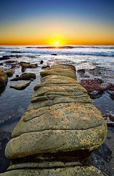 Dawn Rocks, Australia