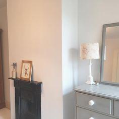 Chest of drawers Paris Grey in Annie Sloan Door Furniture, Chalk Paint Furniture, Gray Chalk Paint, Annie Sloan Paints, Paris Grey, Victorian Terrace, Dark Wax, Spare Room, Interior Design Inspiration