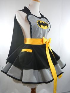 Classic Batman Costume Apron Bat Girl Cosplay Apron Superhero Cosplay Apron - Be Batman - Ideas of Be Batman - Classic Batman Costume Apron Bat Girl Cosplay Costume Batman, Batman Cosplay, Superhero Cosplay, Retro Apron, Aprons Vintage, Disney Aprons, Fancy Dress, Dress Up, Batman Outfits