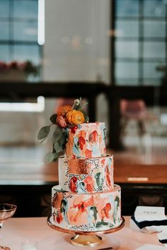 Modern Wedding Cakes Stunning coral, peach teal wedding cake with peony accents Cute Cakes, Pretty Cakes, Beautiful Cakes, Amazing Cakes, Floral Wedding Cakes, Wedding Cake Designs, Wedding Coral, Orange Wedding Cakes, Colourful Wedding Cake