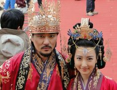 Gwanggaeto, The Great Conqueror, also known as King Gwanggaeto the Great, is a historical drama based on the life of the nineteenth monarch of Goguryeo, Gwanggaeto the Great. 담덕 이태곤과 약연 이인혜의 결혼식