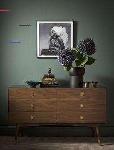 From the swedish magazine Hus&Hem nr 01 2017 Jotun Lady, Objet Deco Design, Interiors Magazine, Bedroom Green, Modern Materials, Living Room Inspiration, Wall Colors, Home Organization, Decoration