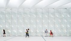 The Broad Museum - The top floor is turned over to 3,250 square metres of column-free gallery space with soaring seven-metre ceilings.