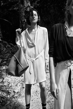 NUEVO - Travellers en Massimo Dutti online. Entre ahora y descubra nuestra colección de Travellers de Primavera Verano 2017. ¡Elegancia natural!