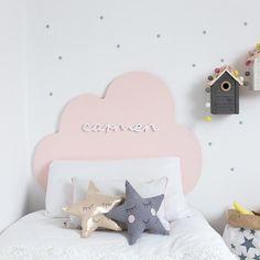 Cabecero Infantil Nube en madera y lacado en el color que más te guste. Crea un cielo en el cuarto del peque con este cabecero de nube. Varios colores.
