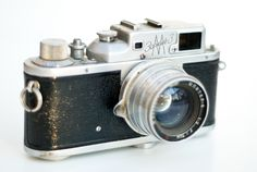The first Zorki cameras were inexpensive Leica II copies just like the FED, but later models were considerably different from the Leica.