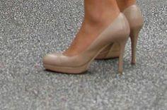 Very classic nude LK Bennett shoes. Un color que va con todo!
