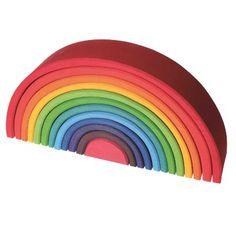 Arcoiris Grande - Alupé – Uno de nuestros mejores juguetes por su calidad, vistosidad y versatibilidad. Este arco iris esta formado por 12 piezas de madera de alta calidad con un tratamiento cromatico exquisito. En manos de los pequenos, dan lugar a nuevos usos continuamente. Nosotros solo vemos un arco iris, pero...