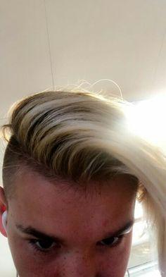 You should dye your hair more blonde dumby head jeez. M Photos, American Horror Story, My King, My Boyfriend, Your Hair, Mac, Hair Cuts, Wattpad, Singer