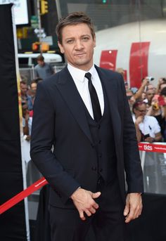 Jeremy Renner Photos - 'Mission Impossible - Rogue Nation' New York Premiere - Inside Arrivals - Zimbio