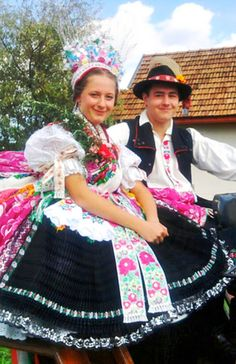Folk Clothing, Way Of Life, Costume Dress, Traditional Outfits, Culture, Costumes, Embroidery, Clothes, Dresses