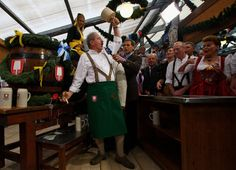 Oktoberfest 2009 - Spaten tapping!
