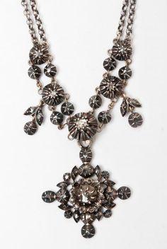 bijou régional, collier rivière d'Arles en or, argent et diamants