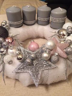 50 Stunning Christmas Sweater Wreath Advent Candles Decoration Ideas Page 17 of 55 Chic Hostess Christmas Tablescapes, Christmas Candles, Christmas Centerpieces, Xmas Decorations, Modern Christmas, Christmas Fashion, Pink Christmas, Nordic Christmas, Christmas Advent Wreath