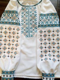 Embroidery Patterns, Cross Stitch Patterns, Ethnic Fashion, Womens Fashion, Embroidered Clothes, Short Tops, Blouse Designs, Pattern Design, Clothes For Women