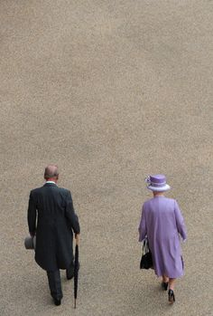 Queen Elizabeth II (R) and her husband Prince Philip, Duke of Edinburgh (L), attend the Buckingham Palace garden party on May 2012 in London, England, ahead of the main weekend of celebrations to mark the Diamond Jubilee of Britain's Queen Elizabeth Hm The Queen, Royal Queen, Her Majesty The Queen, Save The Queen, Queen Mary, Queen And Prince Phillip, Prince Philip, Prince William, Elizabeth Philip