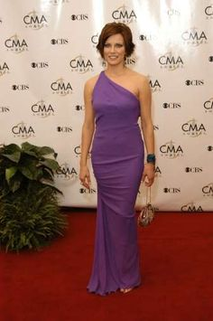 Martina McBride Country Artists, Country Singers, Martina Mcbride, Stars Then And Now, Country Music Stars, Picture Photo, All Things, The Incredibles, Female
