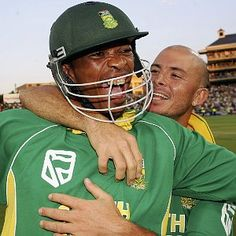 game the best ODI ever Makhaya and Gibbs celebrating Cricket Time, Test Cricket, Cricket News, Who Will Win, Supersport, Football Helmets, South Africa, All About Time, England