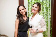 """No evento de lançamento de """"O Chef e a Chata"""" teve muita flor bonita, doces cheios de afeto, comidinhas deliciosas. Teve muita gente linda, muito papo legal. Também teve muita emoção e muito, mas muito amor. Enfim, adoramos! Confere aí, comenta, tagueia, compartilha!  Fotos: Pedro Gontijo, 2014. #chatadegalocha #moldandoafeto #casamangabeiras"""