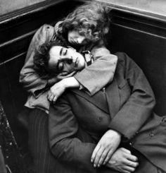 Couple Sleeping, Photo by Ed Van Der Elsken, 1953 Vintage Photography, Couple Photography, Street Photography, Couples Vintage, Vintage Love, The Time Traveler's Wife, Couple Posing, Couple Photos, Couple Sleeping