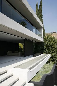 Beautiful Open House in Hollywood Hills with Panoramic Views - UltraLinx Amazing Architecture, Contemporary Architecture, Interior Architecture, Interior Design, Building Architecture, Garden Architecture, Contemporary Design, Hollywood Hills, Modern Exterior