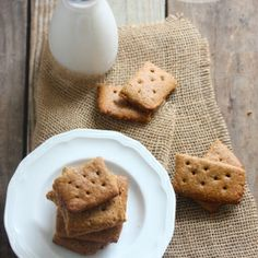 The perfect healthy snack! Grain-Free Graham Crackers (gluten-free, dairy-free)