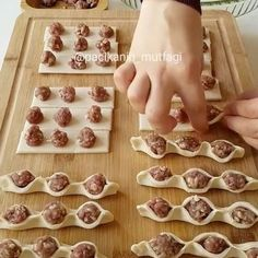56 Gorgeous from Each Other of Homemade Pastries, Easy Food Decorations - Delicious Food Kids Donut Recipes, Cooking Recipes, Kids Meals, Easy Meals, Sausage Bread, Homemade Pastries, Good Food, Yummy Food, Snacks Für Party
