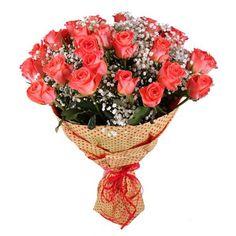 «Осенняя прогулка» - это шикарный букет ярких оранжевых роз, который поднимет настроение в самый пасмурный день и напомнит о Вас получателю. Такой праздник чувств и эмоций станет событием в жизни каждой женщины.
