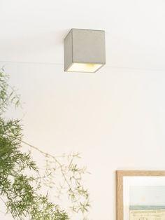 [B7] Deckenspot quadratisch aus Beton und Gold – GANTlights
