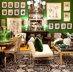 A stunning dining/living area. Those green walls and the assymetrical arrangement of the botanical prints surrounded by other art pieces. Gary Riggs Home Design Services, Dallas. Green Rooms, Green Walls, Diy Home, Home Decor, Modern Interior Design, Room Interior, Wonderwall, Living Spaces, Living Rooms