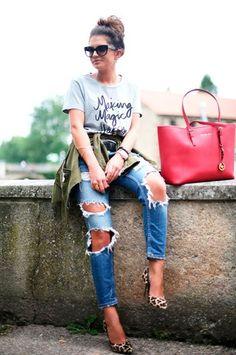 Sincerely Yours parka: Zara, t-shirt: Sincerely Jules jeans: Zara, bag: Michael Kors via pumps: Buffalo via Sarenza sunglasses: Prada Fashion Hippie Loves Cute Everyday Outfits, Casual Summer Outfits, Casual Fall, Winter Outfits, Cool Outfits, Spring Outfits, I Love Fashion, Timeless Fashion, Red Tote Bag