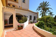 Ground Floor Apartment in Puerto de Cabopino, Costa del Sol. Fabulous buy to rent with high rental income. The property could easily be made into a 3 bedroom. Sold as seen, fully furnished.