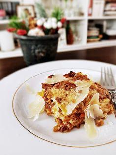 Lasagna Bolognese Lasagna Bolognese, Bologna, Ethnic Recipes, Food, Hoods, Meals