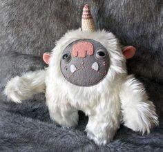 Ferociously Furry Dolls - 'Fuzzy Giants' by Entala are Cute and Sloth-Like #toys #teddybears #dolls