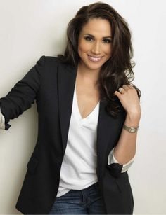 Meghan Markle, aka Rachel Zane from Suits, wearing a simple white t-shirt with a pair of jeans and a black blazer. Description from pinterest.com. I searched for this on bing.com/images #jeansandtshirt