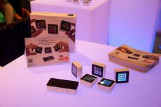 Sifteo Cubes on Display