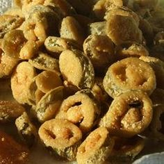 Deep Fried Jalapeno Slices served with ranch dressing. Gourmet Recipes, Appetizer Recipes, Cooking Recipes, Spicy Appetizers, Fried Jalapenos, Great Recipes, Favorite Recipes, Yummy Recipes, Jalapeno Recipes