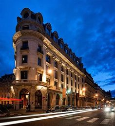 Hotel Suites at Hotel Banke in Paris, France. Right next to all the department stores!| Book a Suite