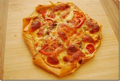 Caramelised Onion, Tomato and Mozzarella Filo Tart | Slimming Eats - Slimming World Recipes I made this ring changes by using Danish Blue instead nice and strong flavour .this is delicious