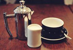 A coffee scene Espresso Coffee, Coffee Love, Coffee Break, Coffee Shop, Coffee Maker, Nicole Johnson, Good Excuses, Coffeehouse, Chocolate Coffee