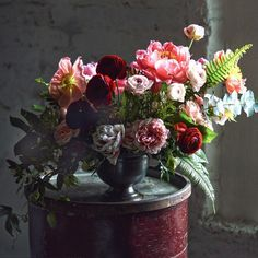 The floral design studio of Ingrid Carozzi, Brooklyn. Best Florist in NY Mag 2015. See our work in Vogue, Martha Stewart, The Knot, Design*Sponge…