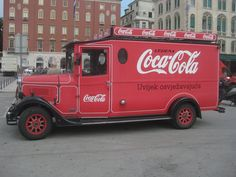 As a fan of Coca Cola, I thought this truck was cool. Antique Trucks, Vintage Trucks, Cola Truck, Vintage Coke, Vintage Signs, Always Coca Cola, World Of Coca Cola, Classic Chevy Trucks, Classic Cars