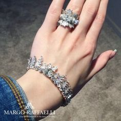 The French Jewelry House of @chaumetofficial is known for its love of naturalistic motifs, creating jewelry with classical natural symbols for over two hundred years ❤️ Credit: www.margoraffaelli.com